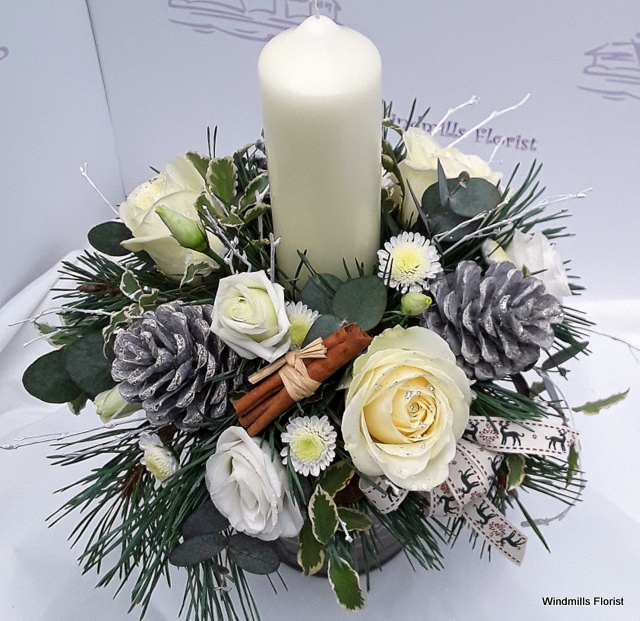 Christmas Sparkle Candle Arrangement